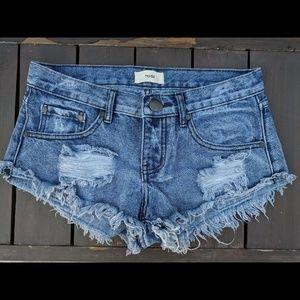 *LIKE NEW* Tobi Denim Shorts - Size 2